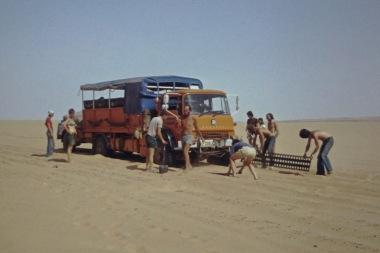 GLP203J - Africa southbound 1977 (1) - Algeria Sahara - Leader Derek Biddle