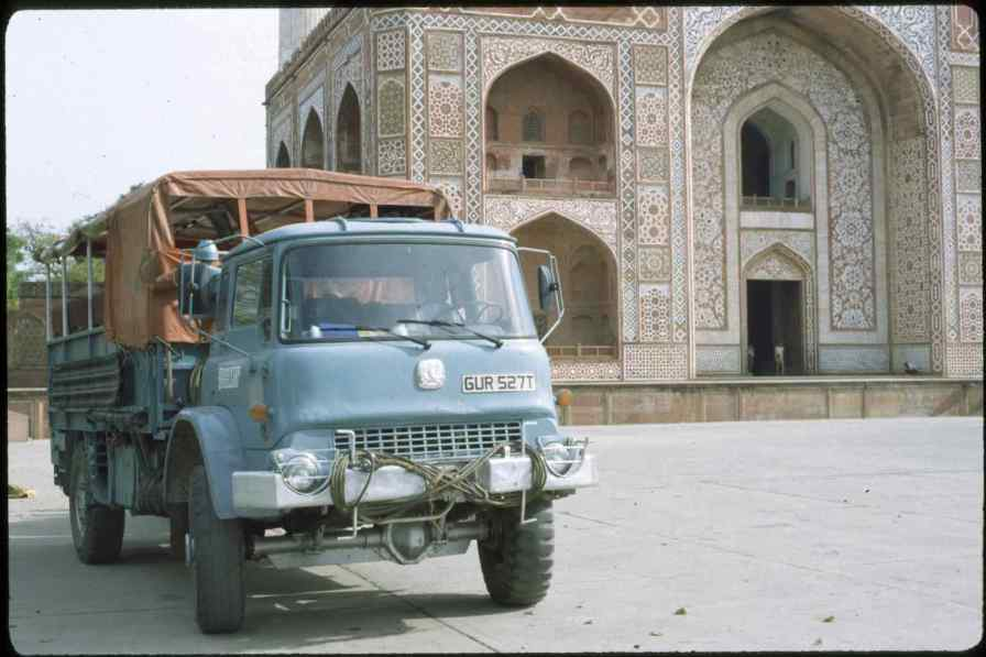 GUR527T Agra 1982 (Lance Thomas)