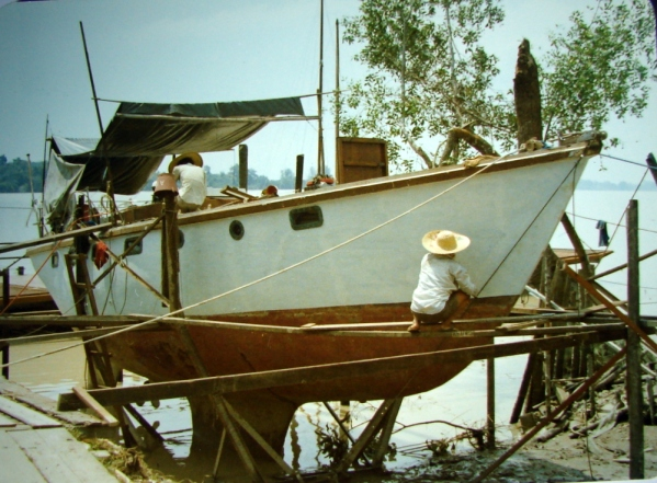 Undergoing refit at Teluk Ansun (Malaysia) between May and August 1979