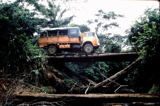BVS970T March 1983 Zaire, Graeme Kidd driving (Paul Bilborough) - 9